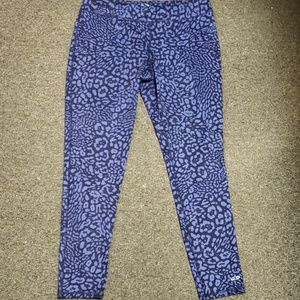 🎊 Gently used Women's active pants size XL